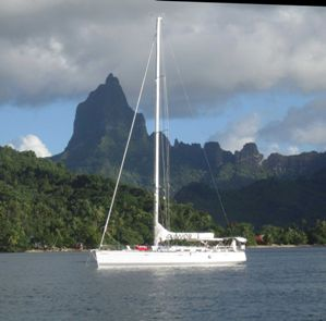 fiji-1_at anchor in moorea